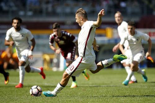 """Totti – """"Cây trường sinh"""" đáng nể của Roma và Serie A - 1"""