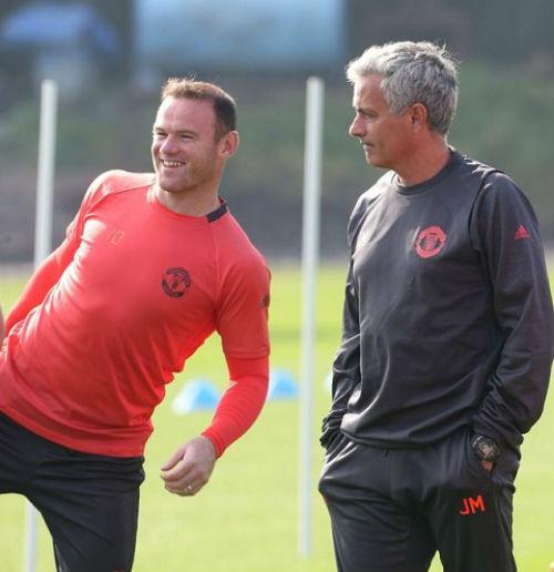 """MU: Đá kém, Rooney bị Mourinho """"cấm khẩu"""" - 1"""