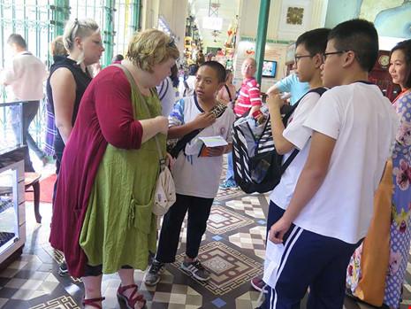 Khi học sinh lớp 8 làm hướng dẫn viên du lịch - 3