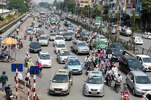 Thủ phạm ùn tắc giao thông Hà Nội: Xe máy hay taxi? - 1
