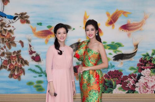 HH Đỗ Mỹ Linh khoe sắc rạng ngời cùng Á hậu Thanh Tú, Thùy Dung tại Queen Plaza - 3