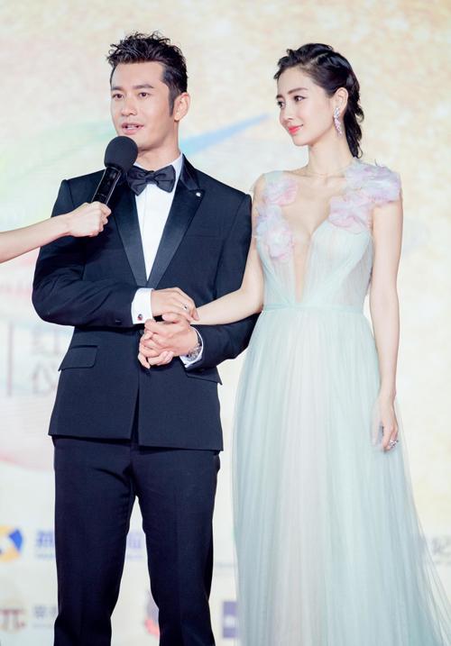"""Huỳnh Hiểu Minh, Angelababy tình tứ """"hớp hồn"""" triệu fan - 2"""