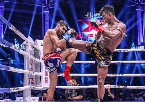 """Nóng: """"Hoàng tử Muay Thái"""" đả bại nhà vô địch Pháp - 3"""