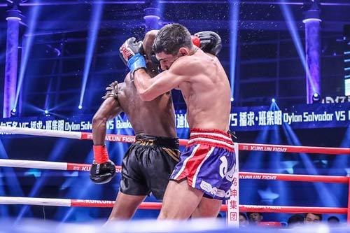 """Nóng: """"Hoàng tử Muay Thái"""" đả bại nhà vô địch Pháp - 8"""