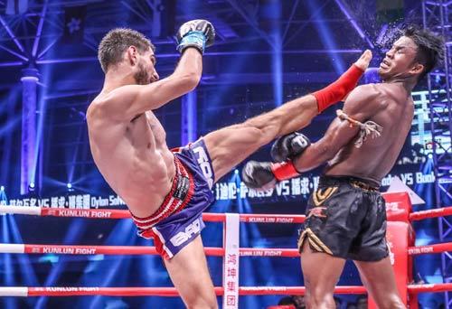 """Nóng: """"Hoàng tử Muay Thái"""" đả bại nhà vô địch Pháp - 5"""