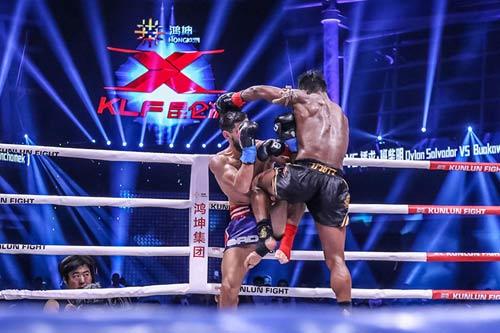"""Nóng: """"Hoàng tử Muay Thái"""" đả bại nhà vô địch Pháp - 6"""