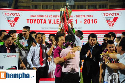 Muốn vô địch V-League thì học bầu Hiển - 1