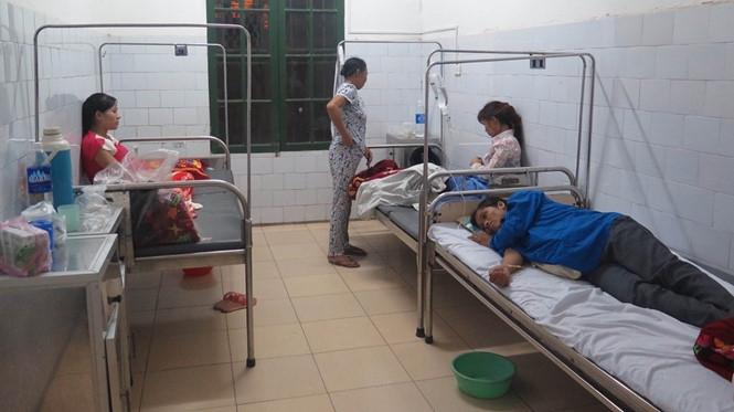 Nam Định: 45 người nhập viện sau khi ăn cỗ - 1