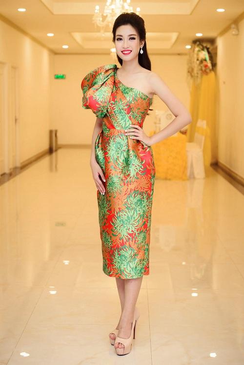 Hoa hậu Mỹ Linh đọ sắc cùng 2 á hậu - 3