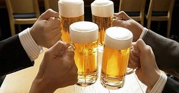 Đàn ông Việt Nam uống bia rượu nhiều nhất thế giới - 1