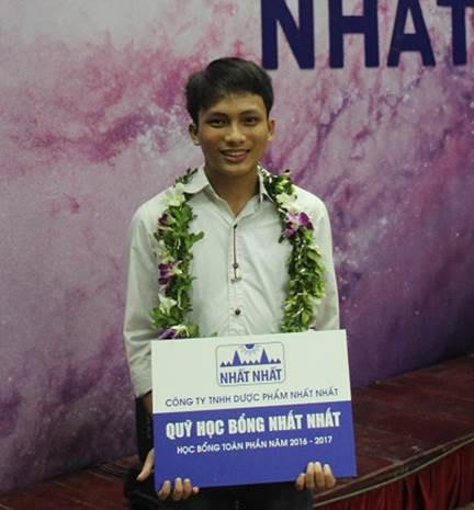 Thủ khoa Đại học Y Hà Nội nhận học bổng từ Nhất Nhất - 3
