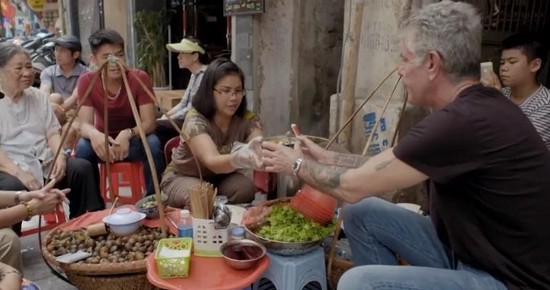 Đầu bếp ăn bún chả cùng Obama khen nức bún ốc Việt Nam - 1