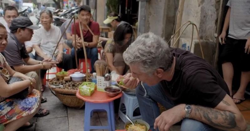 Đầu bếp ăn bún chả cùng Obama khen nức bún ốc Việt Nam - 3