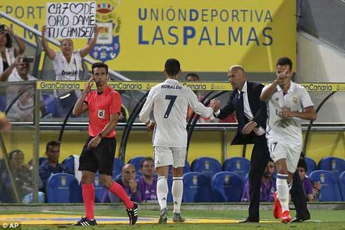 """Cúp C1 trước lượt 2: Chờ """"cơn điên"""" của Ronaldo - 1"""