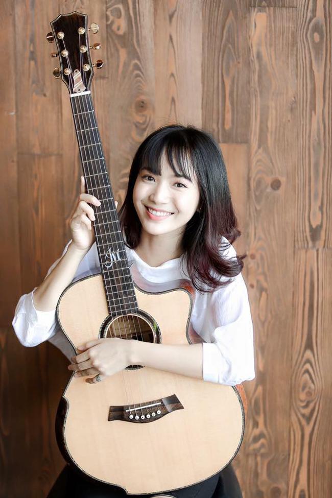 Jang Mi nổi lên từ một clip hát trên xe bus được cho là  quay lén  từ đầu tháng 7.