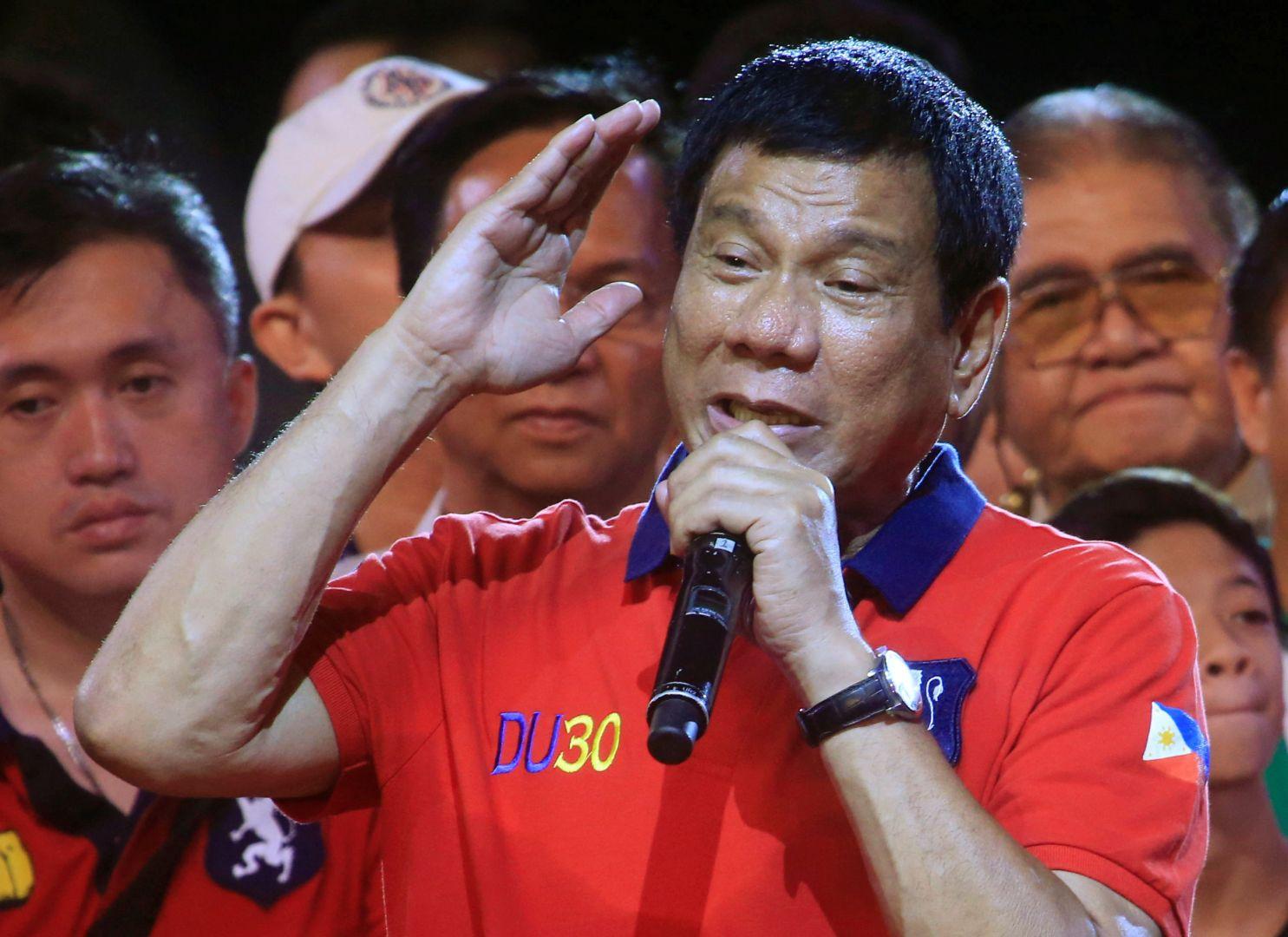Vì sao Tổng thống Philippines vội vàng thăm Trung Quốc? - 1