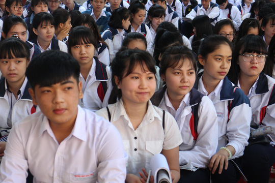 Các sở giáo dục ủng hộ thi trắc nghiệm toán - 1