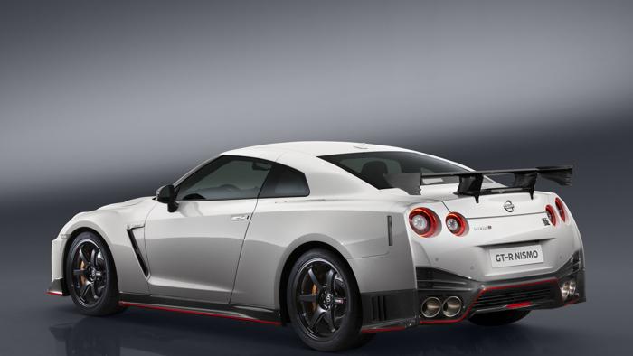 Nissan GT-R Nismo 2017 chính thức chốt giá bán - 3