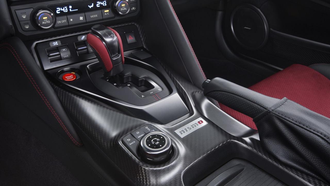 Nissan GT-R Nismo 2017 chính thức chốt giá bán - 6