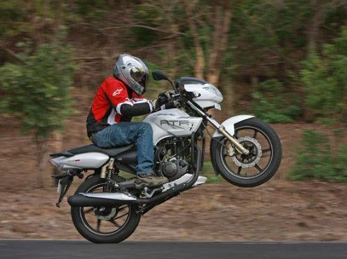 """Top 7 môtô 200cc giá mềm khiến phái mạnh Việt """"thèm"""" - 7"""