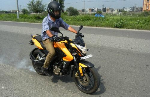 """Top 7 môtô 200cc giá mềm khiến phái mạnh Việt """"thèm"""" - 4"""