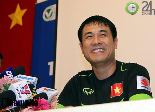 HLV Hữu Thắng: Tôi muốn gọi cầu thủ nhập tịch, nhưng... - 2