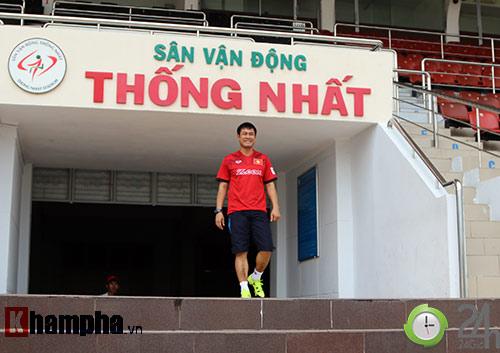 HLV Hữu Thắng: Tôi muốn gọi cầu thủ nhập tịch, nhưng... - 1