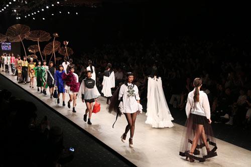 Vietnam International Fashion Week sẽ có điểm gì mới? - 1