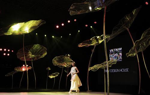 Vietnam International Fashion Week sẽ có điểm gì mới? - 2
