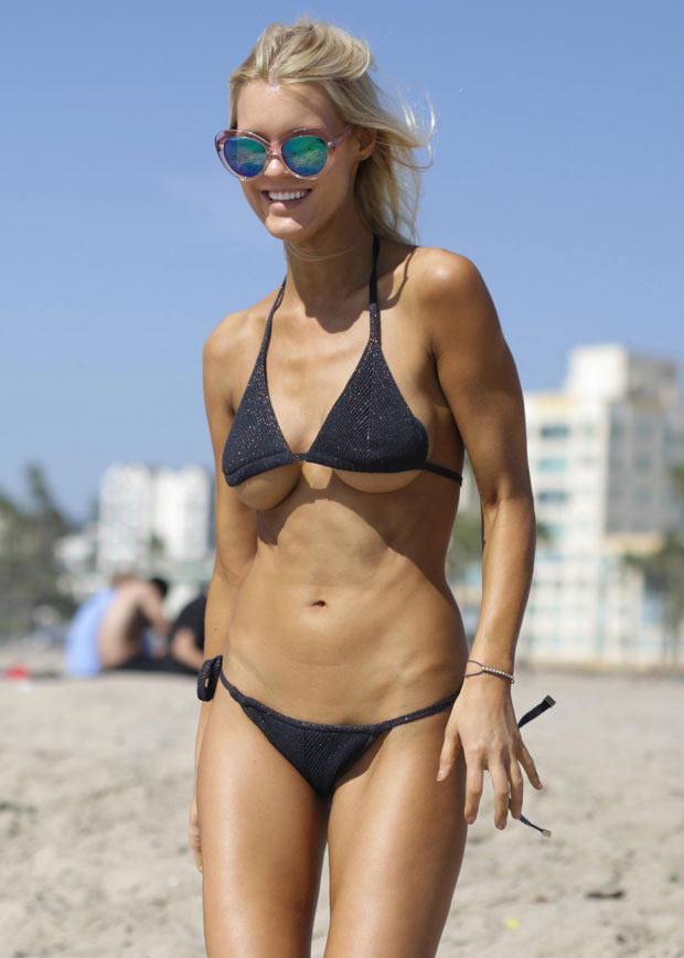 Ngạc nhiên ngắm bikini bé xíu của chân dài miền biển - 4