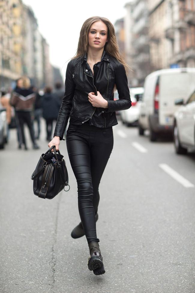 Andrienne Juliger - 18 tuổi, hiện là một siêu mẫu độc quyền của tạp chí tuổi teen Vogue. Mới đây cô nàng đã tiết lộ về một kỳ nghỉ tại Úc với  người bạn thân nhất  vào dịp đầu năm tới. Điều này khiến fan đoán rằng, người bạn đó chính là Brooklyn Beckham.