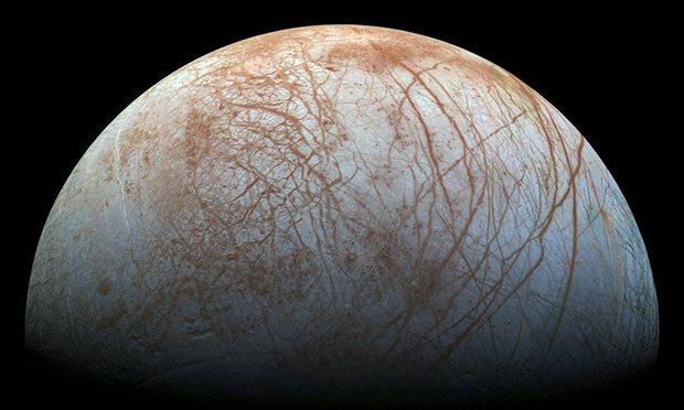 Bằng chứng mới về đại dương ngầm trên Mặt trăng Europa - 1