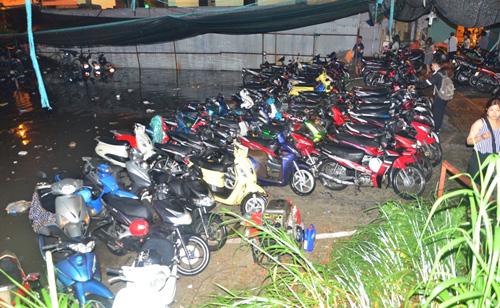 Hơn 1.000 xe máy chìm nghỉm dưới tầng hầm ở Sài Gòn - 3