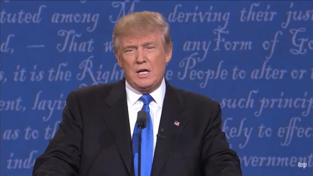 Tranh luận trực tiếp: Bà Clinton phản đòn, lấn lướt Trump - 8