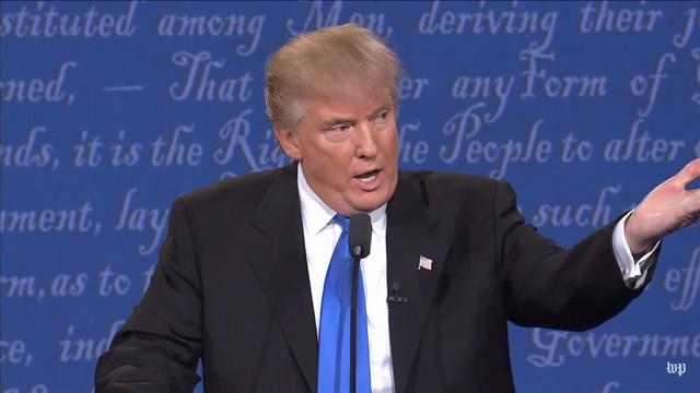 """Ông Trump nói dối """"khỏe hơn"""" bà Clinton - 1"""