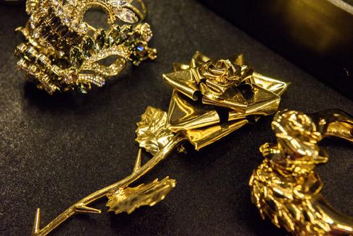Choáng với tủ đồ kim cương của Đàm Vĩnh Hưng - 9
