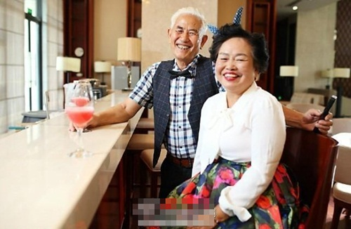 Cảm phục cụ ông giúp vợ ung thư vui vẻ lúc cuối đời - 3