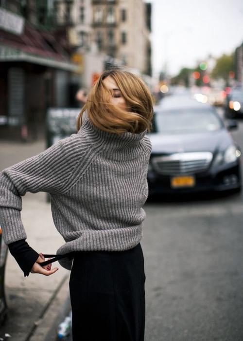 Vì sao bạn luôn cần một chiếc áo len mỏng? - 13