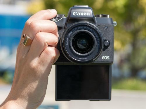 Canon EOS M5 - camera không gương lật đầu tiên của Canon - 7