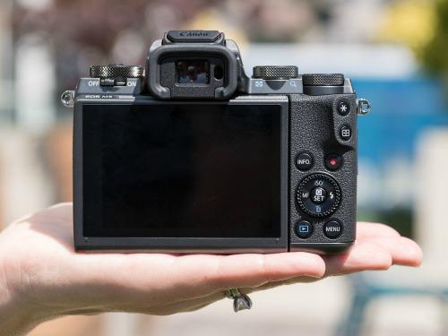 Canon EOS M5 - camera không gương lật đầu tiên của Canon - 5
