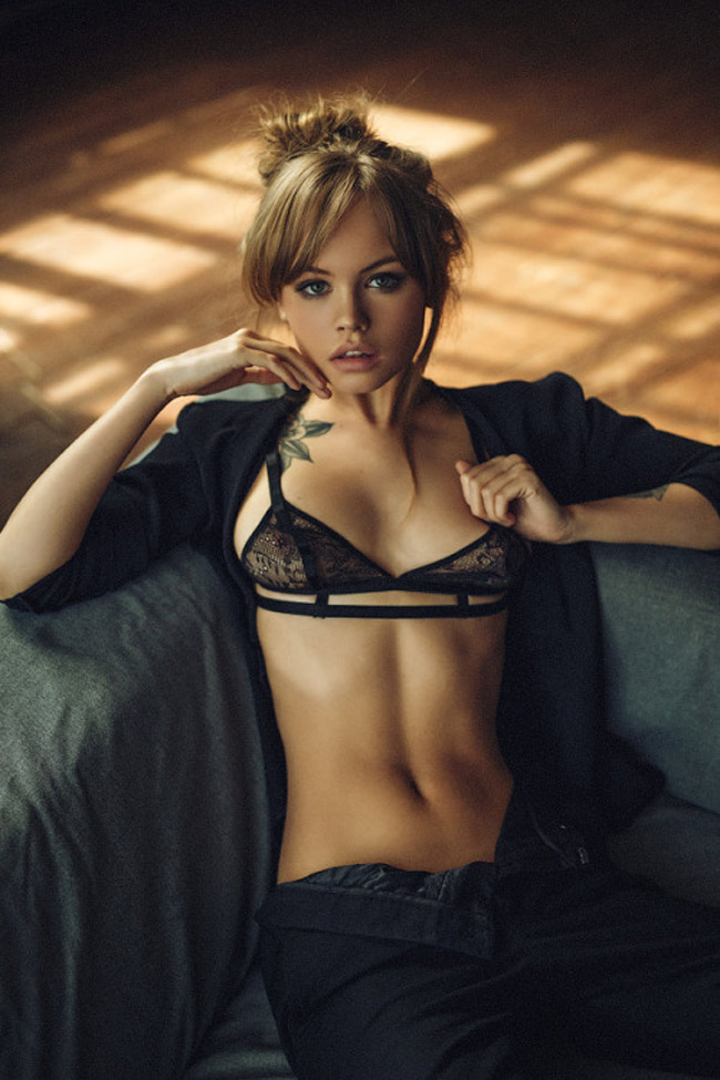 Anastasia Shcheglova là người mẫu tới từ xứ sở Bạch Dương. & nbsp;