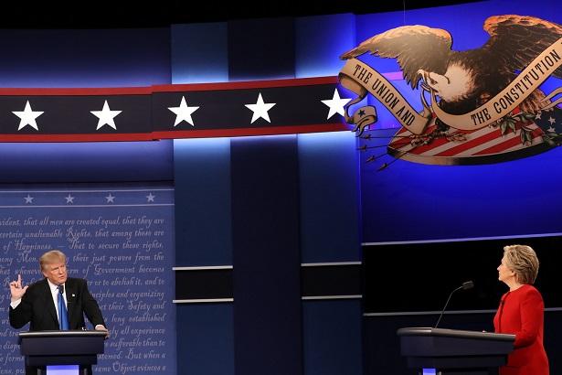 Dân mạng Mỹ chế giễu màn khẩu chiến Trump-Clinton - 3