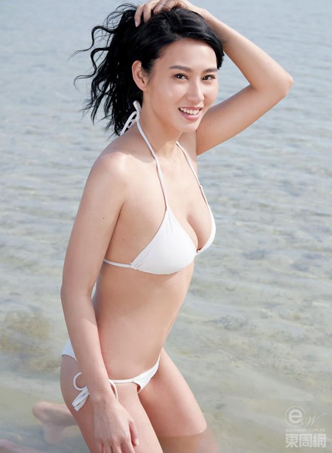 Những ngày gần đây, Á hậu 1 cuộc thi Hoa hậu trang sức Hong Kong 2013 Trang Đoan Nhi đang là cái tên được nhắc đến rất nhiều trong showbiz châu Á. Sự chú ý dành cho nữ diễn viên này ngày càng nhiều hơn sau khi cô phương hủy hợp đồng làm việc với công ty quản lý vì bị ép diễn cảnh nóng.