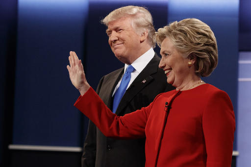 "Trung Quốc nổi bật trong cuộc ""khẩu chiến"" Trump-Clinton - 1"