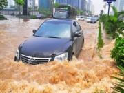 Tư vấn - Những nguyên tắc lái ôtô an toàn trong mưa bão
