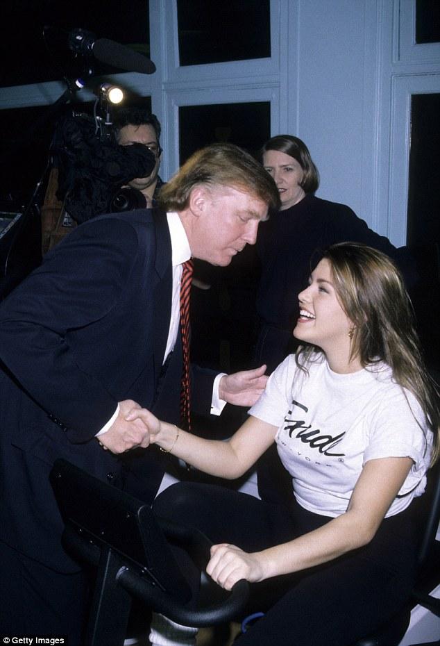 """Người đẹp bị Donald Trump gọi là """"Hoa hậu Lợn"""" là ai? - 6"""