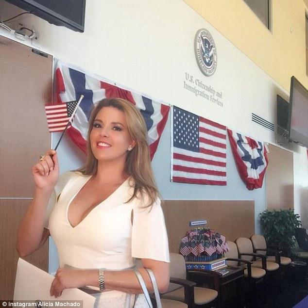 """Người đẹp bị Donald Trump gọi là """"Hoa hậu Lợn"""" là ai? - 8"""