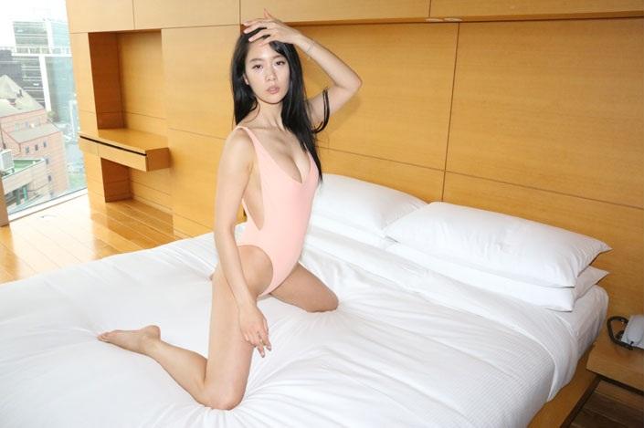 """""""Bom sex"""" màn ảnh Hàn gây xôn xao dù chỉ lướt qua phim - 9"""