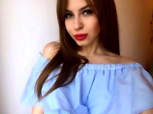Nữ sinh Nga rao bán trinh tiết lấy tiền đi du học - 1