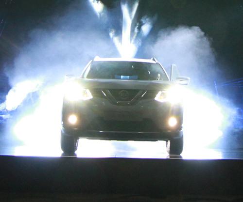 Nissan trình làng mẫu X-Trail thế hệ thứ 3: Sang trọng và mạnh mẽ - 1
